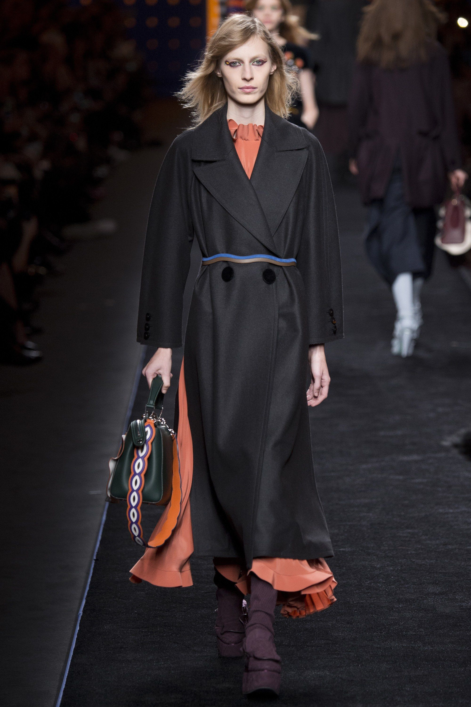 Fendi Fall 2016 Ready-to-Wear Fashion Show - Julia Nobis