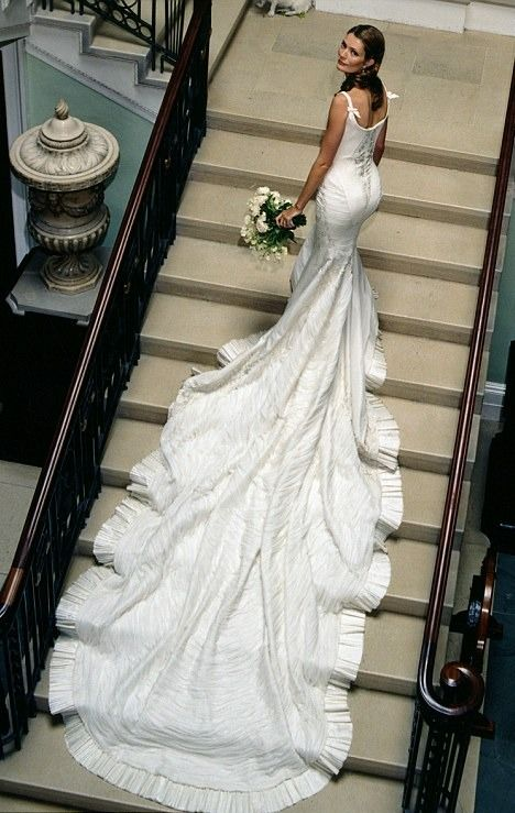 Sarah Burton Wedding Dresses How Gorgeous Is That