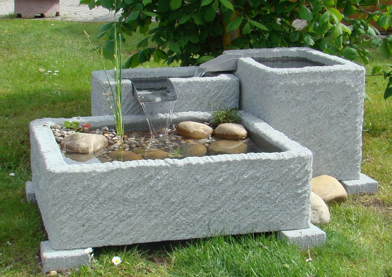 springbrunnen brunnen wasserspiel granitwerkstein stein 262kg gartenbrunnen pinterest. Black Bedroom Furniture Sets. Home Design Ideas