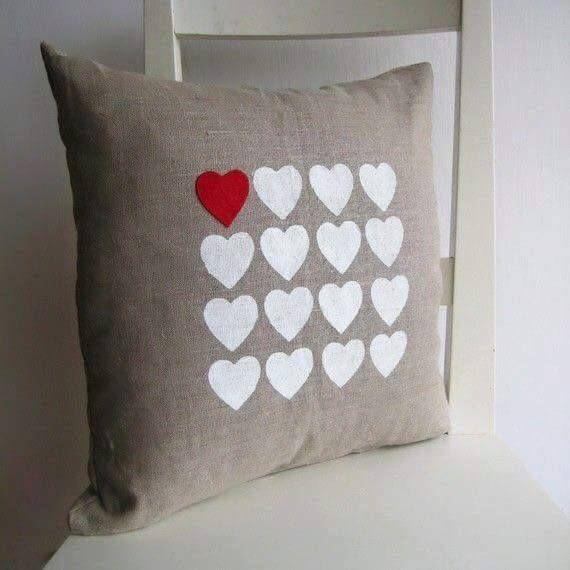 Ideas para decorar cojines con corazones by artesydisenos - Decorar cojines ...