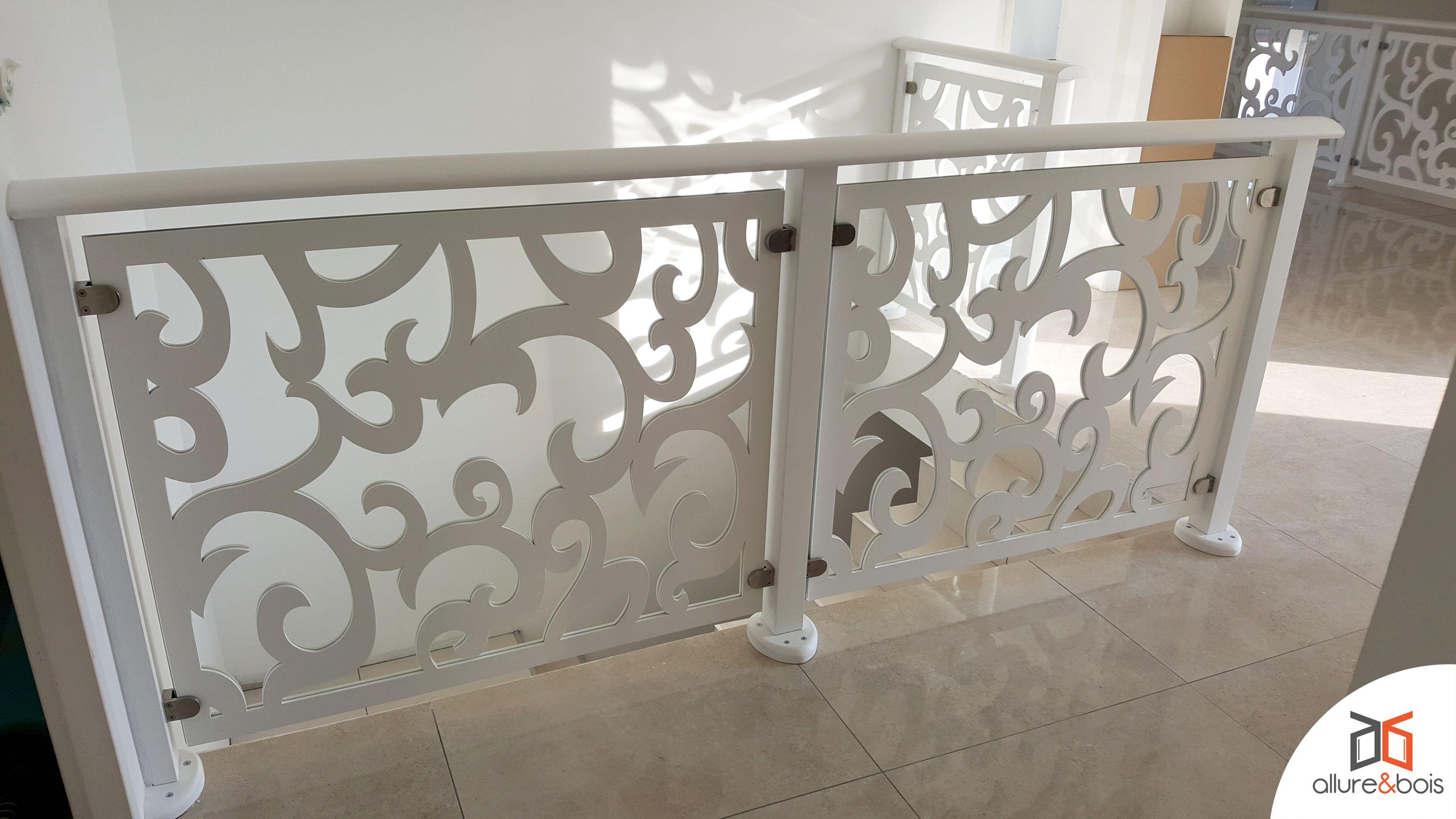garde corps bois volutis metal railings stair railing. Black Bedroom Furniture Sets. Home Design Ideas