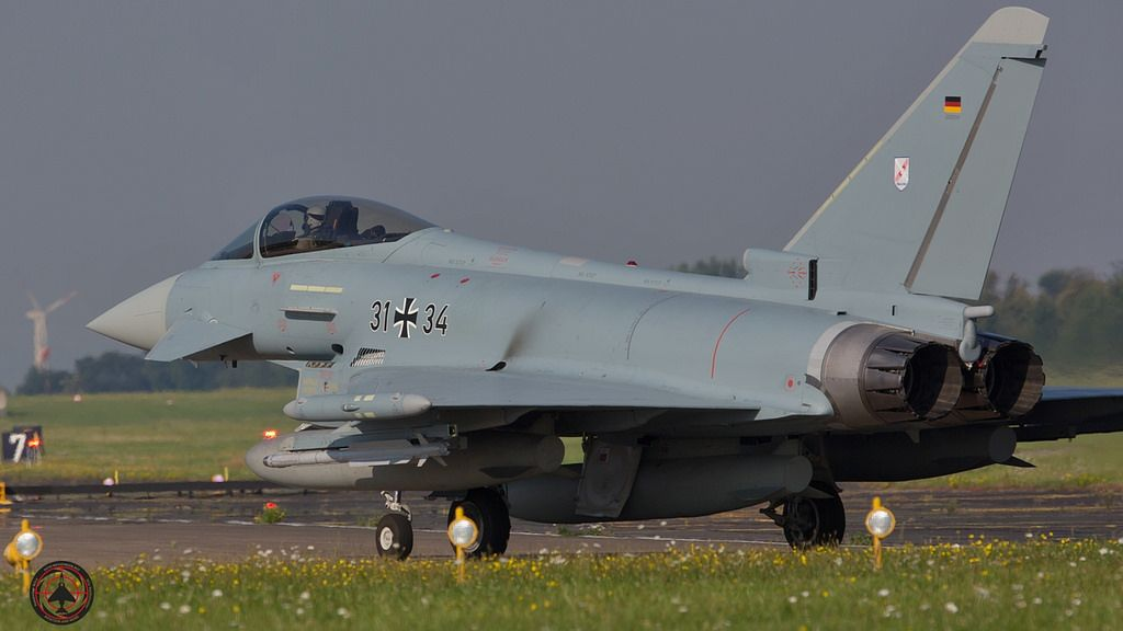 Luftwaffe - German Air Force Eurofighter  31+34 taxing to rw 25 | por foto-metkemeier.net
