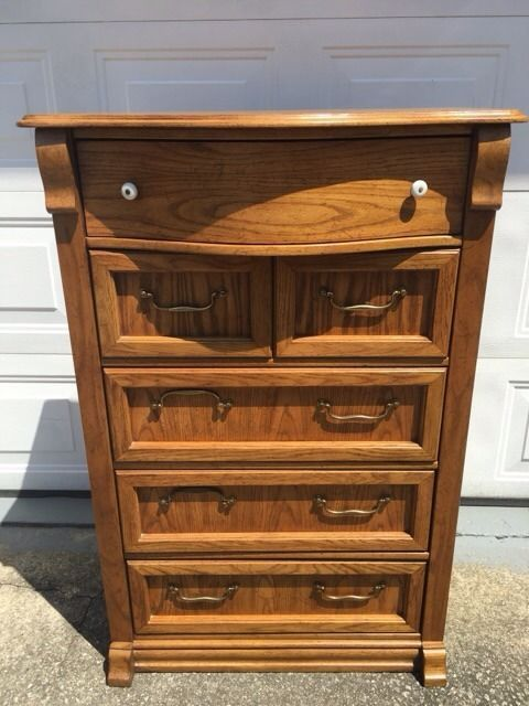 Vintage Pulaski Keepsakes Chest Of Drawers Tall Dresser