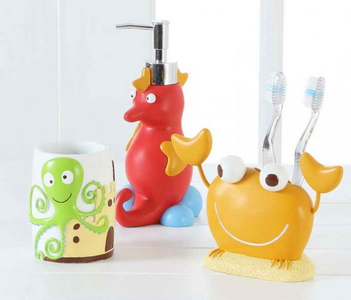 Kids Bath Accessories Collections With Sea Horse Design And Crab Also Picture Octopus