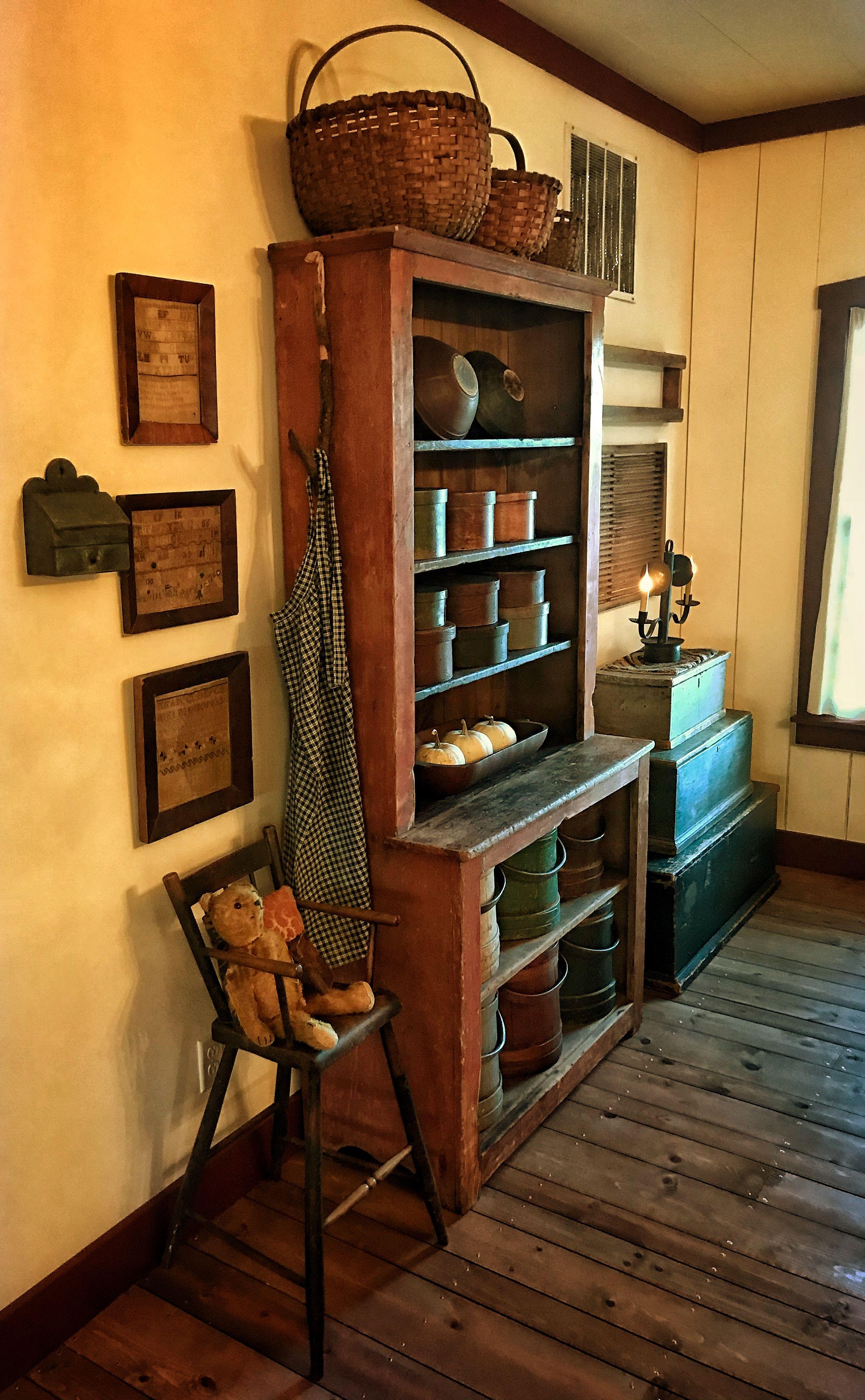 keeping room of peace manor primitive decorating ii in 2019 rh pinterest com
