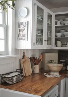 easy-tips-for-creating-a-farmhouse-kitchen- 18