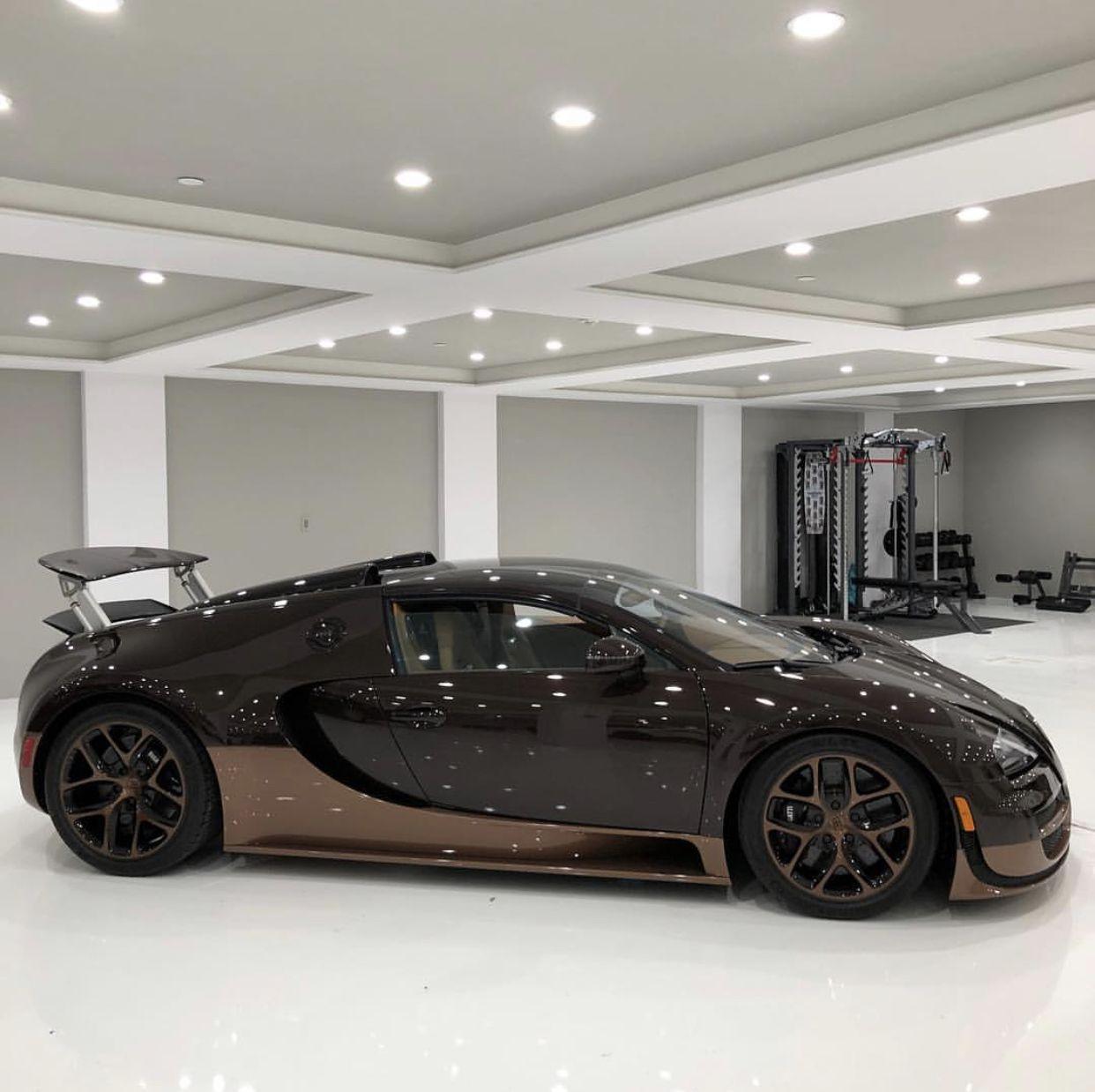 Bugatti Veyron Spoiler: Bugatti Grand Sport Vitesse In Fully Exposed Brown Carbon