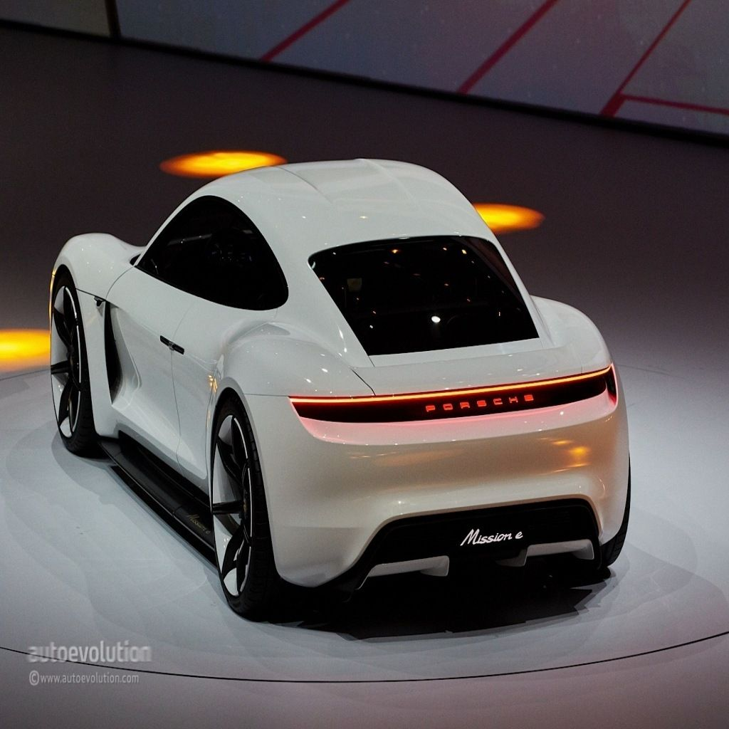 the the 2020 porsche panamera offers outstanding style and