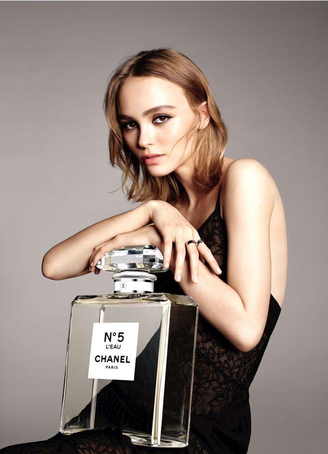 Lily Rose Depp pub pour Chanel n°5