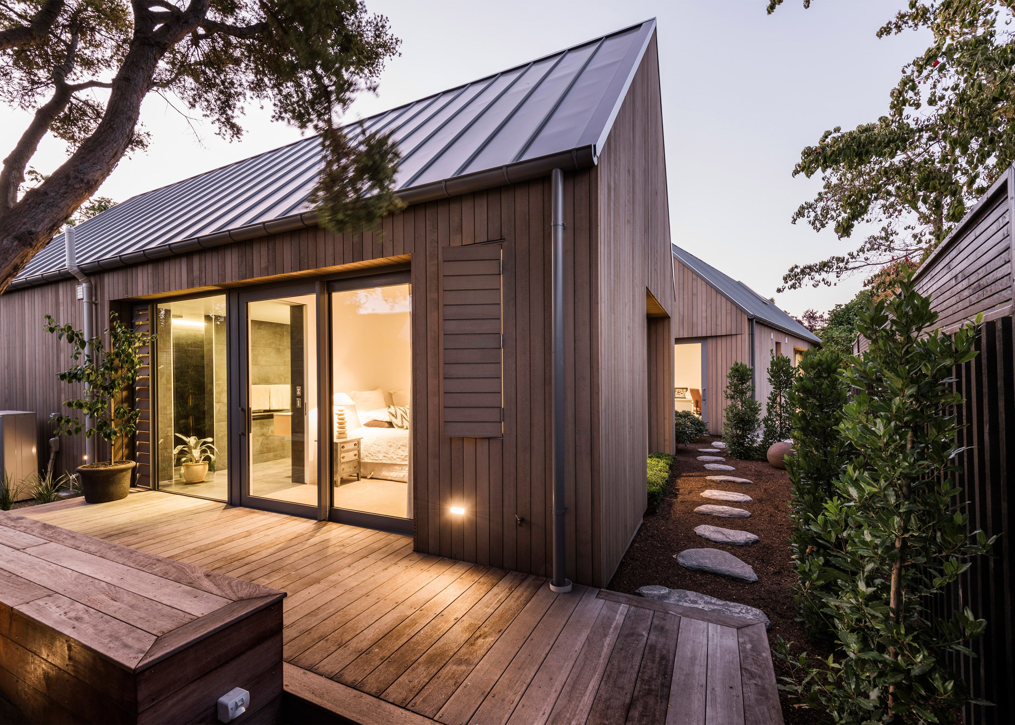 Case Ornsby Completes Cedar Clad House In Christchurch Divided Up By Courtyards Wooden House Design Contemporary House House Exterior