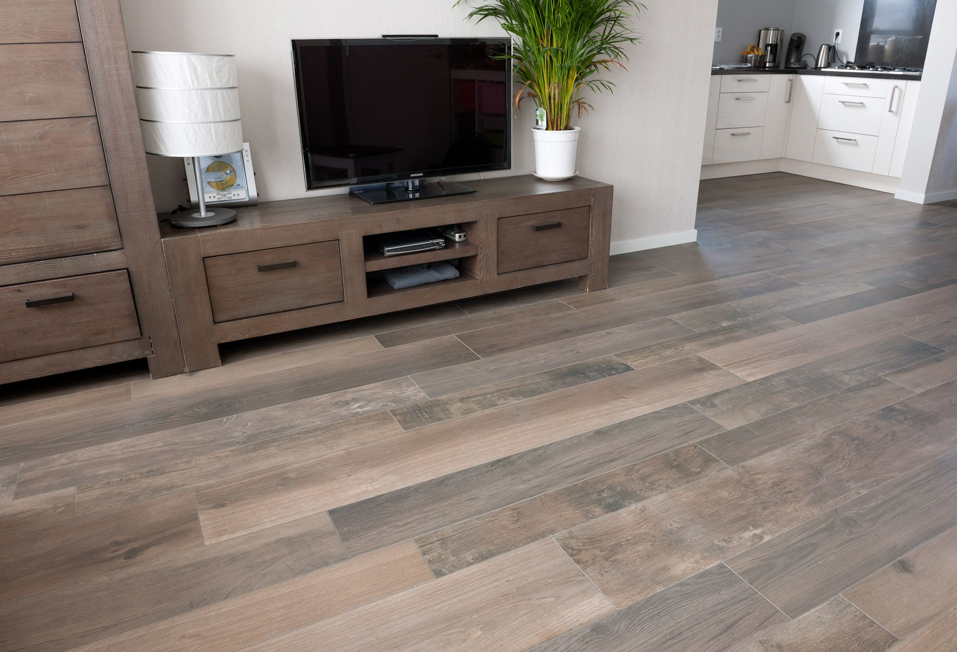 Vloertegels houtlook keramisch parket woonkamer tegels Woonkamer tegels