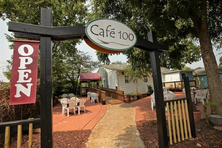 Cafe 100 Home Great Restaurant In Huntersville Its A Small