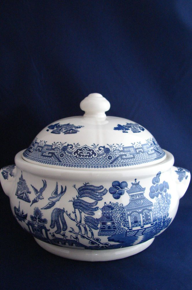 Churchill English Blue Willow Pattern Covered Soup Tureen English Pottery Blue Willow China Blue Willow English Pottery