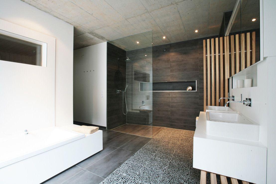 Haus badezimmer design das haus mit den zwei gesichtern  haus