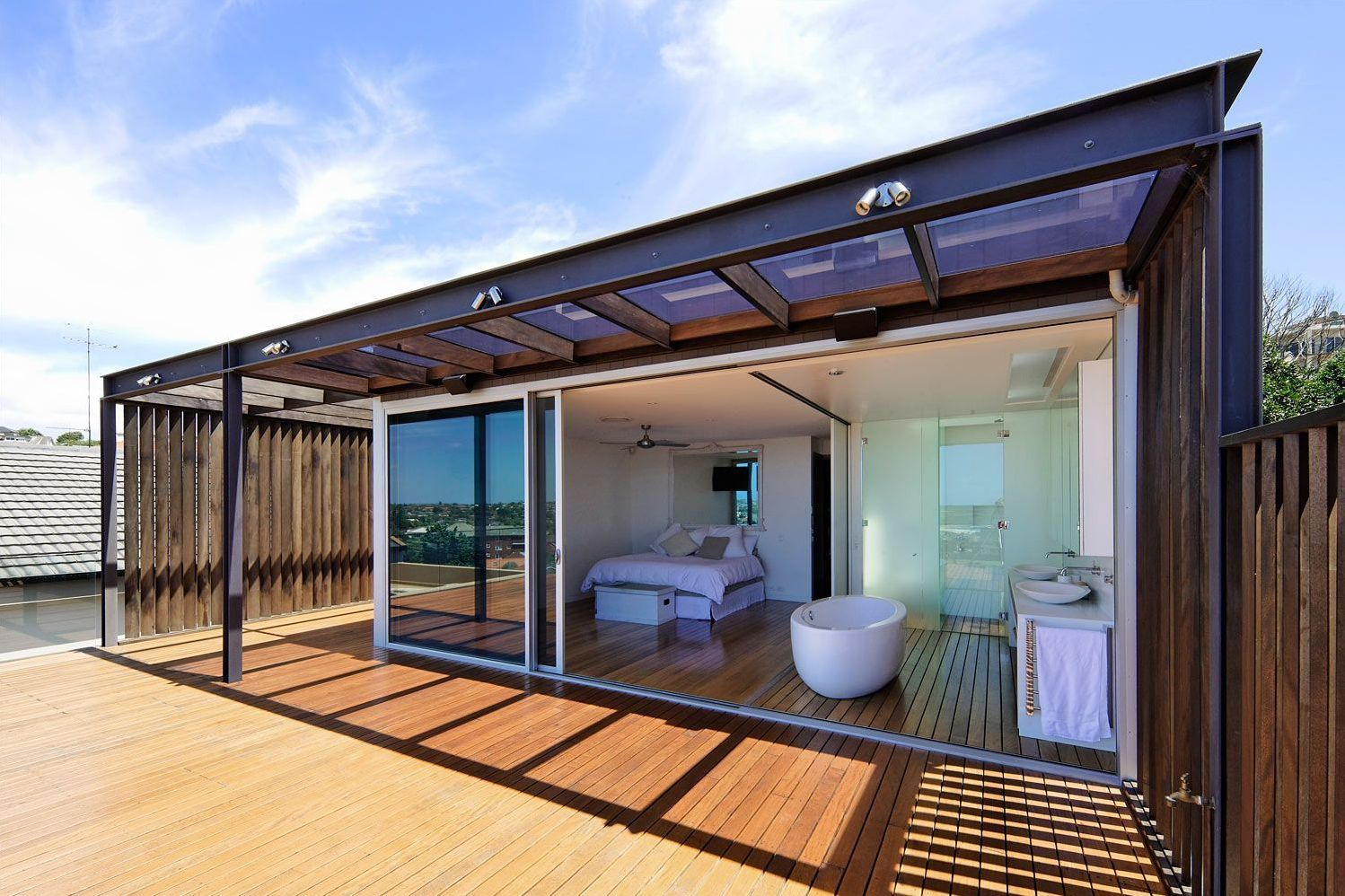 13+ Stunning Houses Made from Shipping Containers