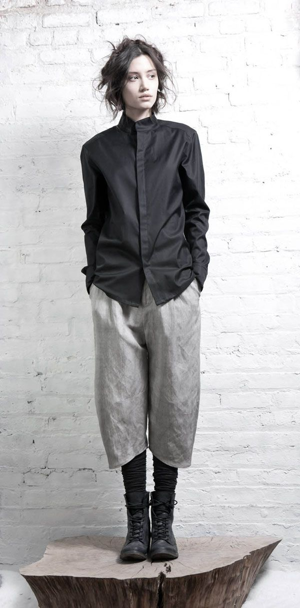 More InAisce. My new favorite designer. I love the hemline on these cropped pants.