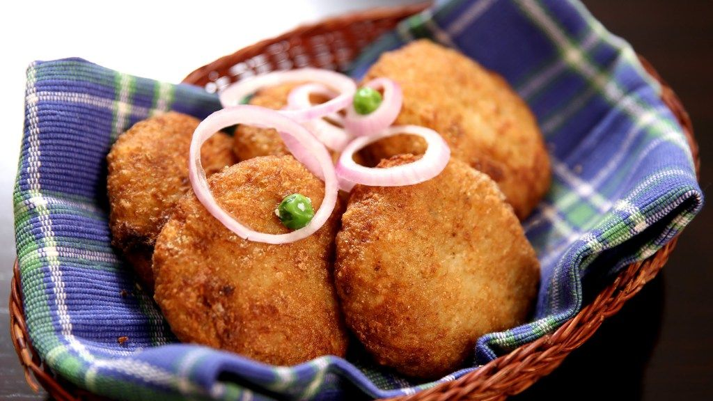 poha kachori easy kachori recipe with flatenned rice indian snack recipe ruchi s kitchen on hebbar s kitchen kachori id=69209
