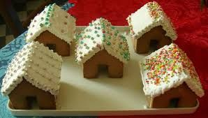 Casetta Di Natale Con Biscotti : Casette di biscotti oro saiwa cerca con google gingerbread house