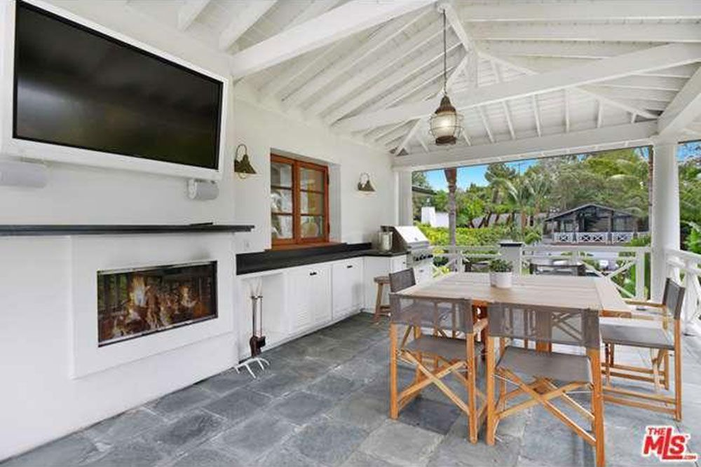 10 Homes For Sale With Outdoor Kitchens Life At Home Trulia Blog
