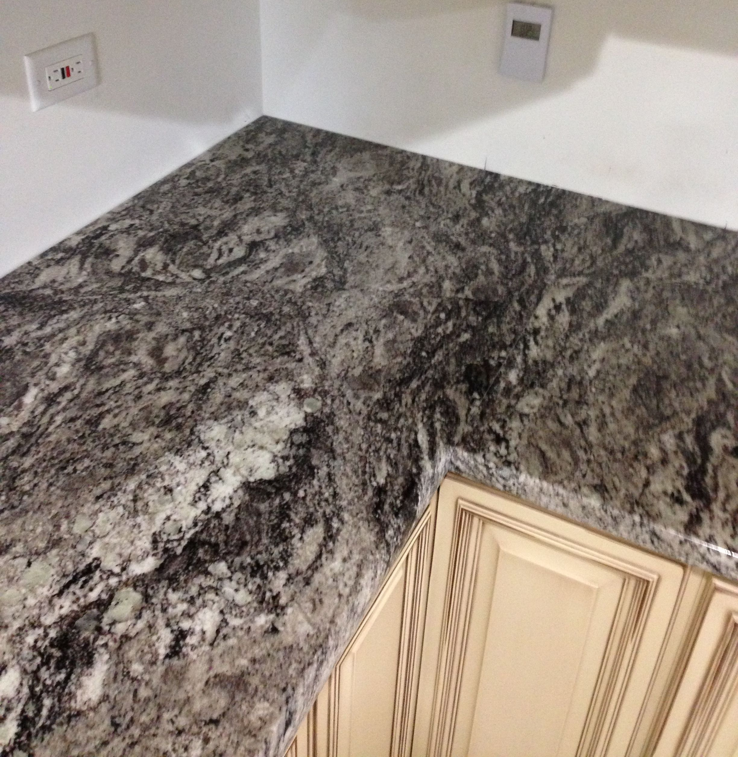 Pin By Factory Plaza On Kitchen Counter Tops Hickory Cabinets Granite Countertops Kitchen Rehab
