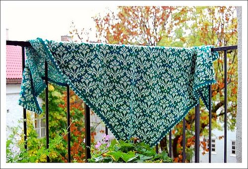 Shawl Green Thistle by osloann, via Flickr. Great knitting blog with Lots of beautiful patterns!