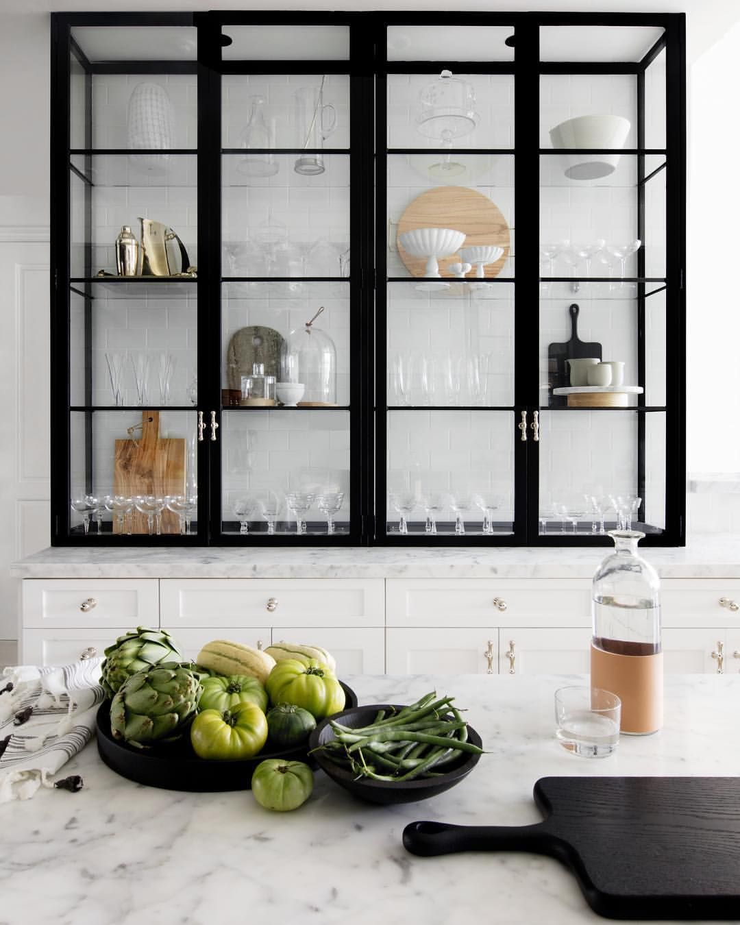 763 Likes 24 Comments Studio Life Style Studiolifestyle On Instagram Thi Marble Countertops Kitchen Glass Kitchen Cabinets Glass Kitchen Cabinet Doors