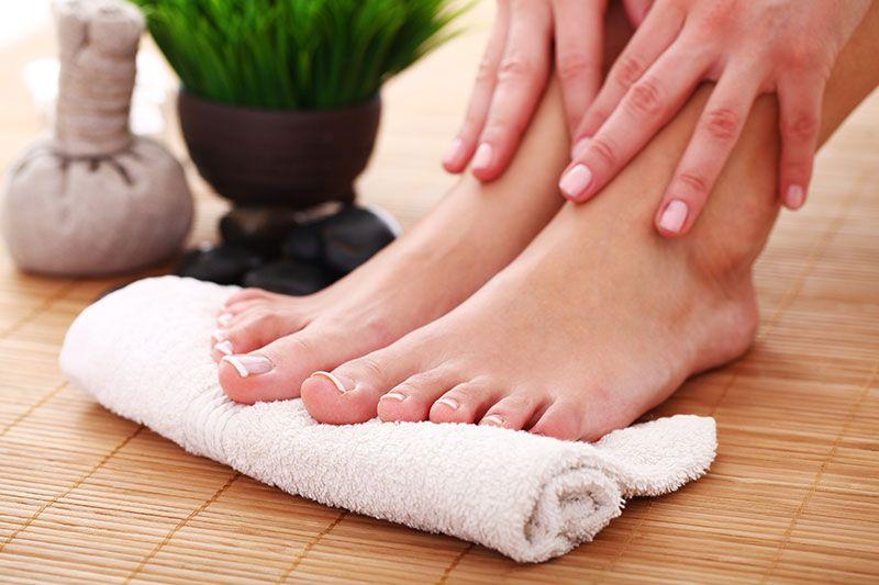 Samtpfötchen: Tipps für die Fußpflege Zuhaus