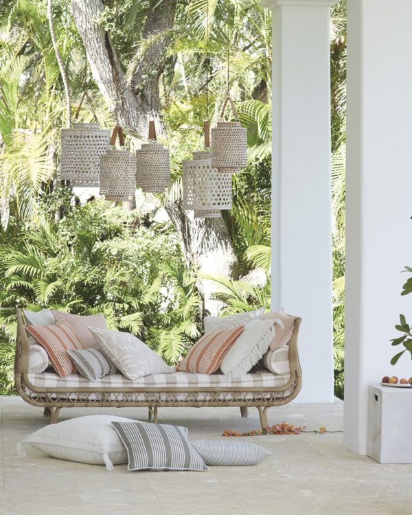 The Top Outdoor Furniture Trends for 2018 | Outdoor daybed ...