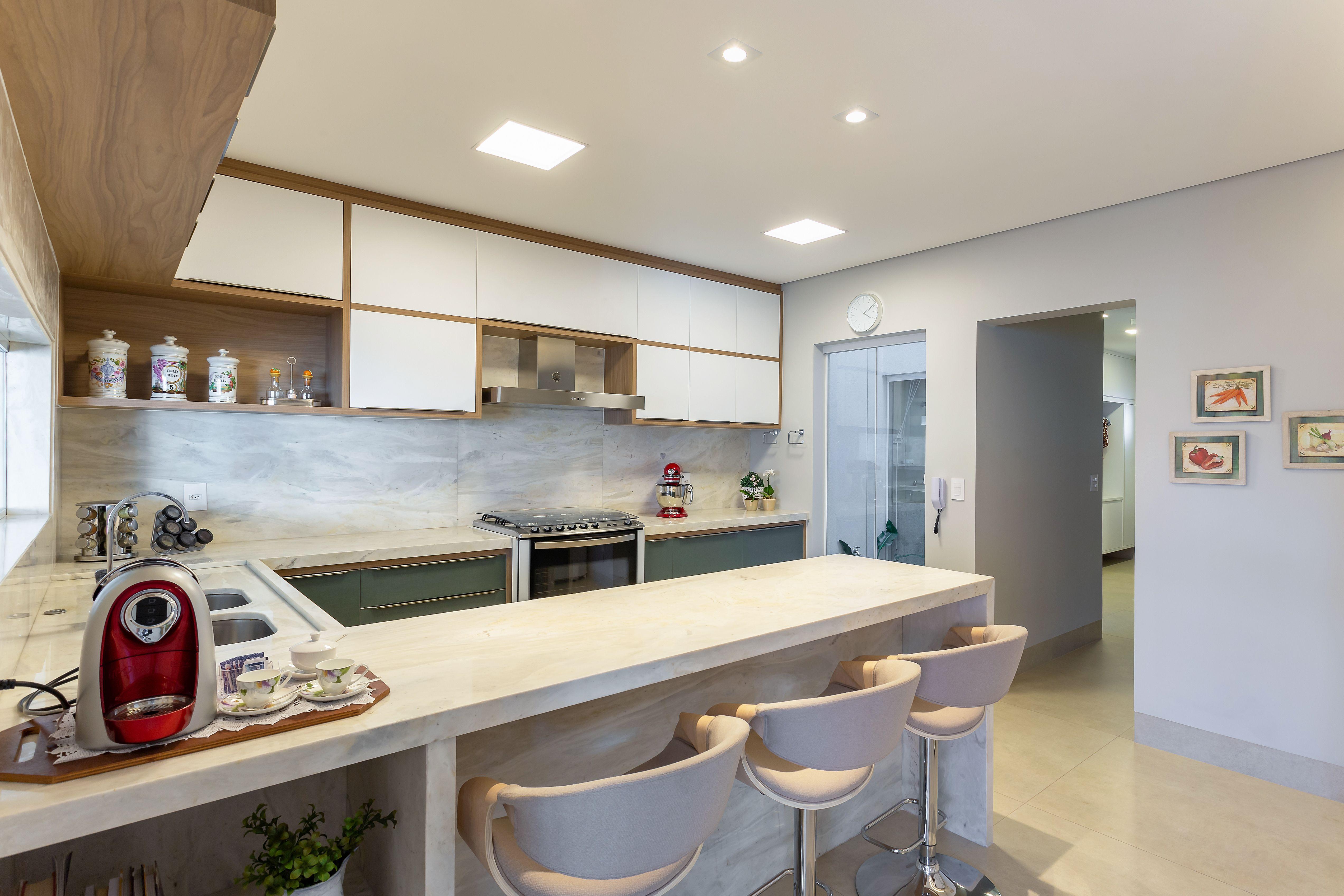 Cozinha Com Bancada E Painel Em Marmore Michelangelo Argento