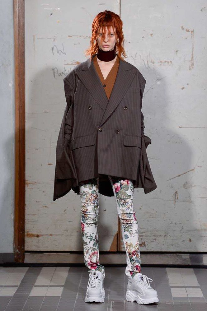 https://www.vogue.com/fashion-shows/fall-2018-ready-to-wear/junya-watanabe/slideshow/collection