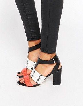 Zapatos, tacones y cuñas para mujer en oferta y de outlet