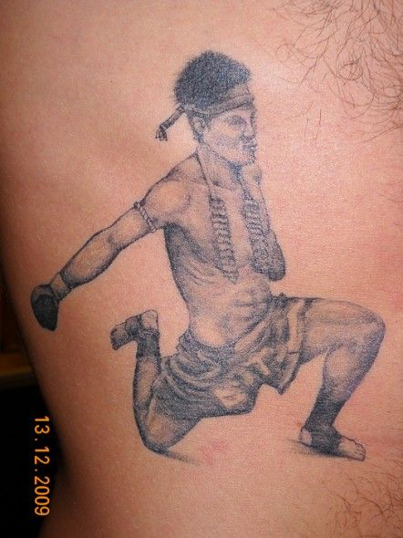 muay thai boxer tattoo muay thai tattoos pinterest boxer tattoo thai boxer and muay thai. Black Bedroom Furniture Sets. Home Design Ideas