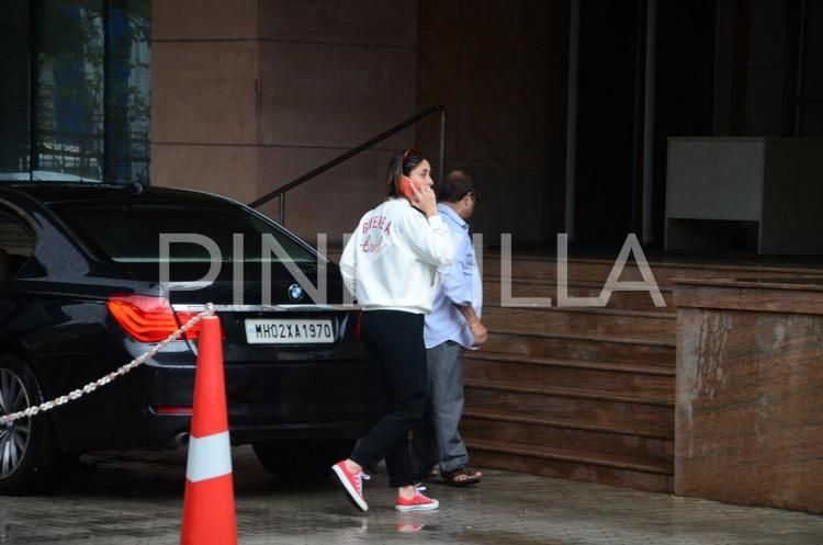Kareena Kapoor Khan Visits Injured Saif Ali Khan in the Hospital! | PINKVILLA