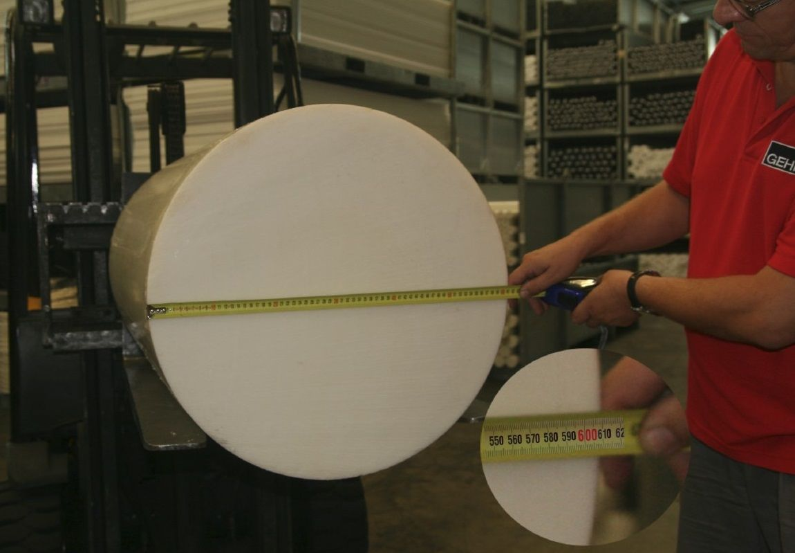 The Worlds Largest Acetal Rod A Full 24 Inch In Diameter 600mm Is Now Produced By Gehr Plastics This And Many Other Massive Pla Rod Delrin Plastic Material