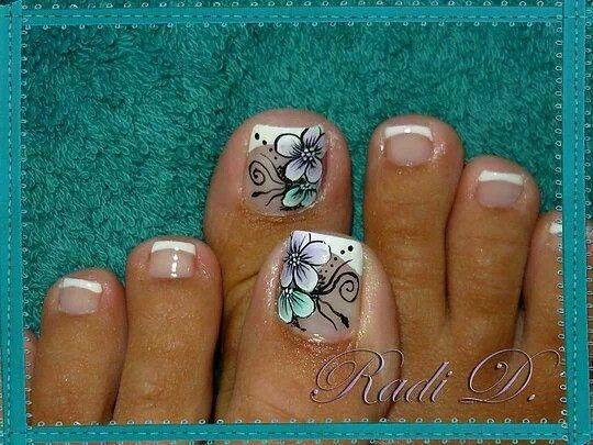 gel toes - aqua white black design