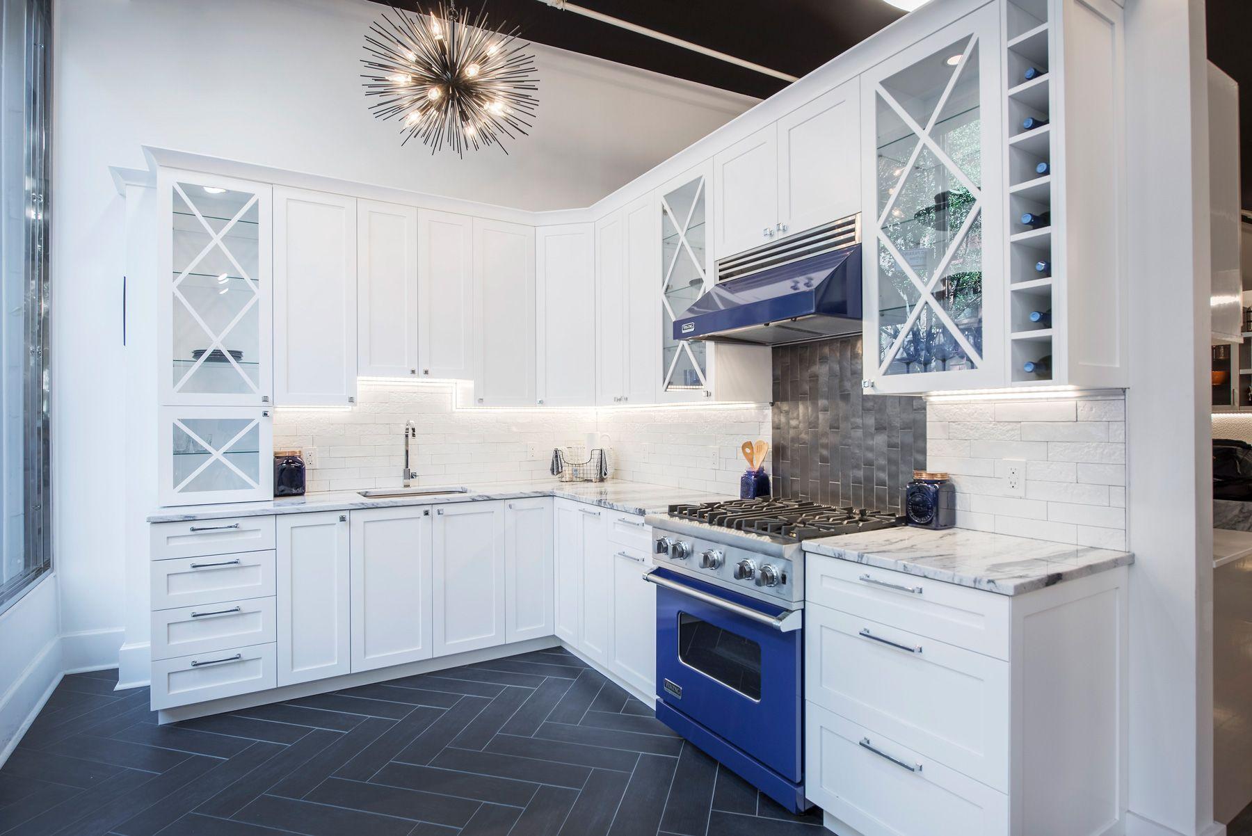 Nyc Kitchen And Bath Showroom White Cabinets Subway Tile
