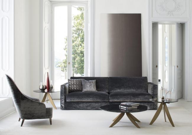 Divano Velluto ~ Divano in velluto grigio con poltrona coordinata idee per la