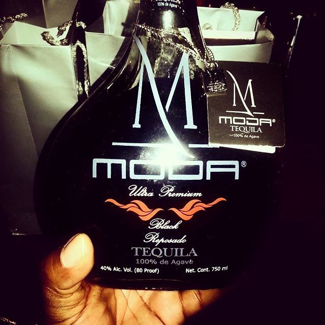 Let's start the party Moda Tequila Black Reposado