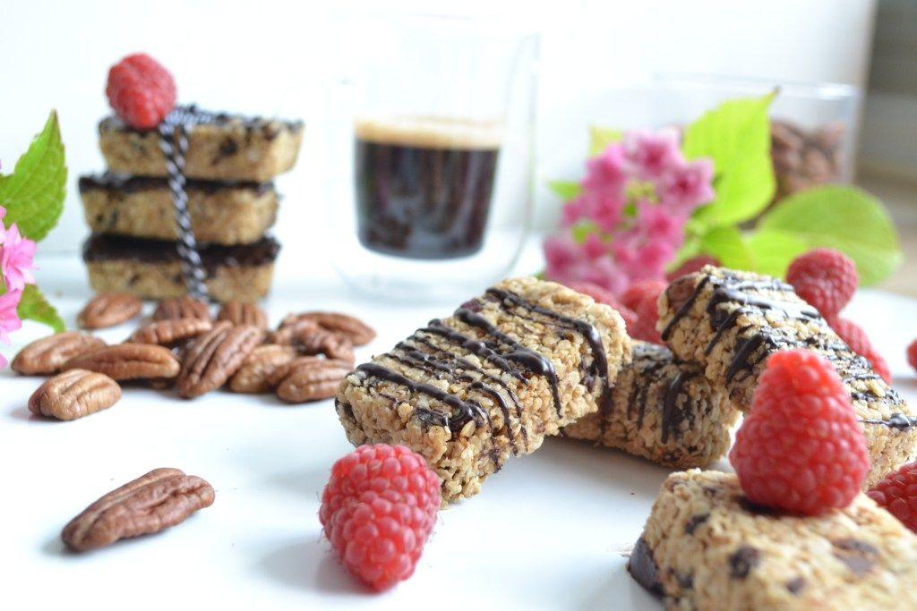 Barres de céréales sans sucre raffiné ni matières grassses recette -  healthyfoodcreation | Recette de plat, Barre de céréales, Alimentation