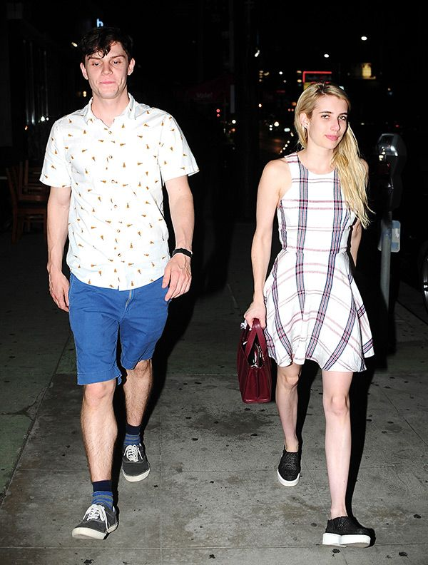 Emma Roberts Evan Peters Have Dinner Date After Calling Off Engagement Emma Roberts Robert Evans Evan Peters