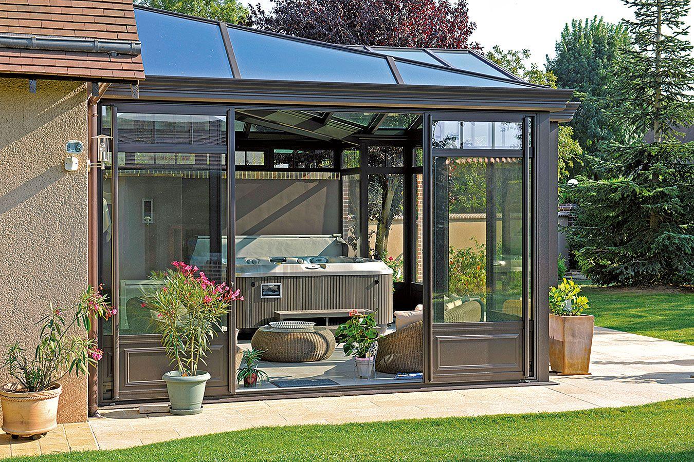 v randa d di e l 39 espace spa avec double vitrage et. Black Bedroom Furniture Sets. Home Design Ideas