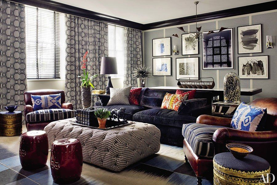 10 Beautiful Ways to Decorate with Ottomans