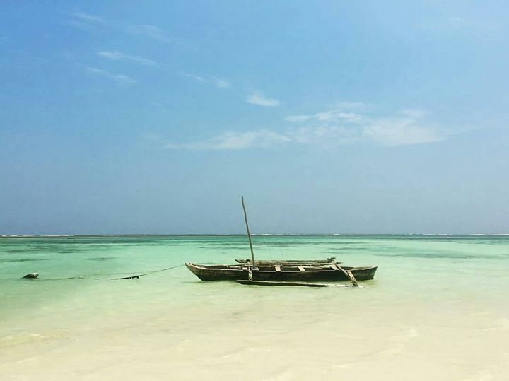 Dhow boat ride anyone? Photo by @leaveforthemountain: http://upanidiani.com/