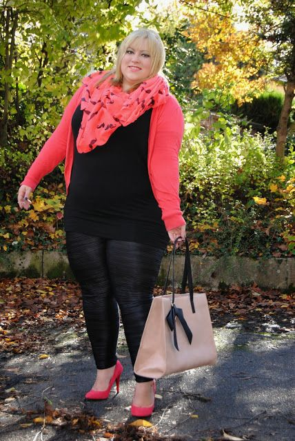 Dressing these Curves: Hot Pink   Frau