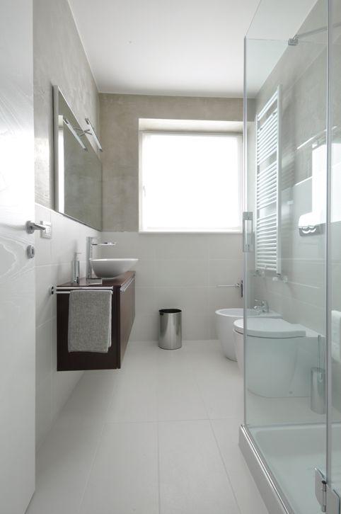 Ambientazione bagno bianco cerca con google bathrooms for Arredamento bianco e grigio