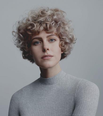 kurze frisur mit locken bob bilder | curly hair styles