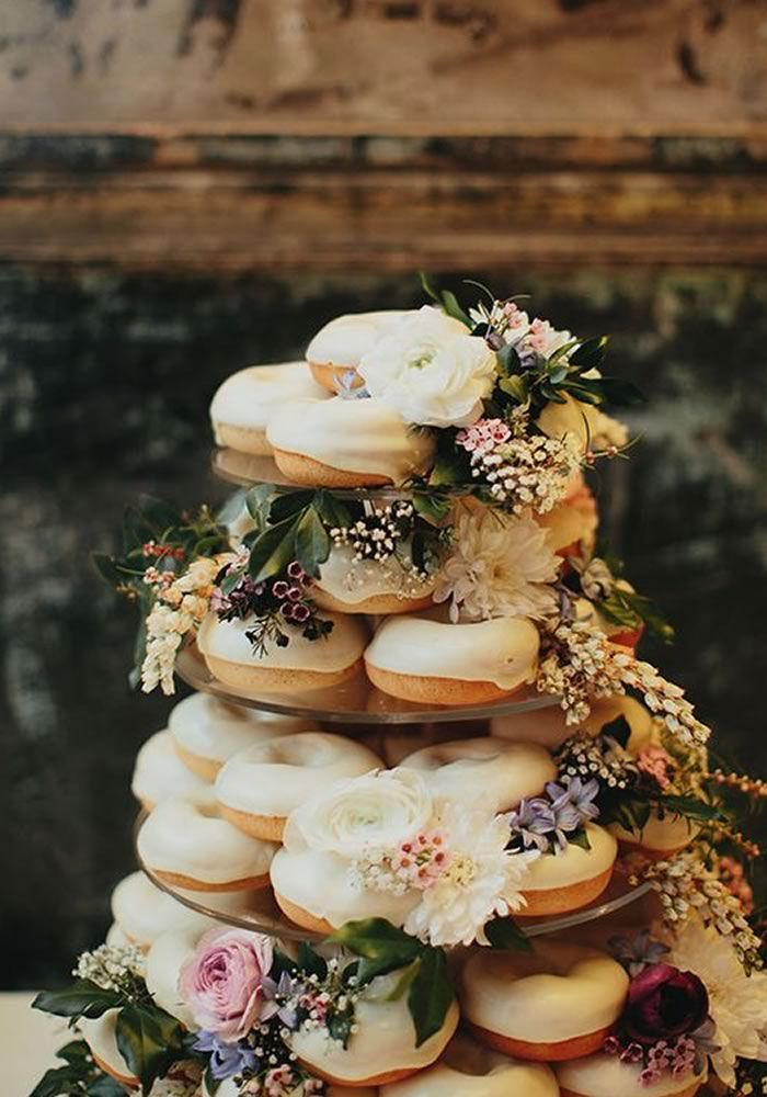 Autumn Wedding Cake And Topper Ideas Wedding Decorations