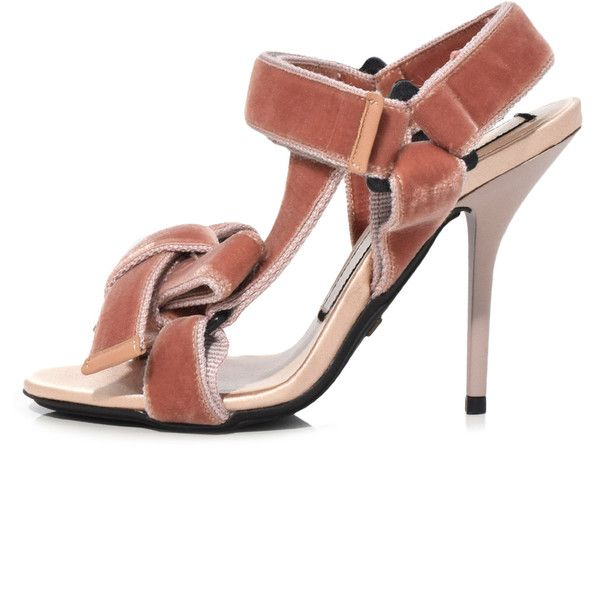 No21 Straped sandals