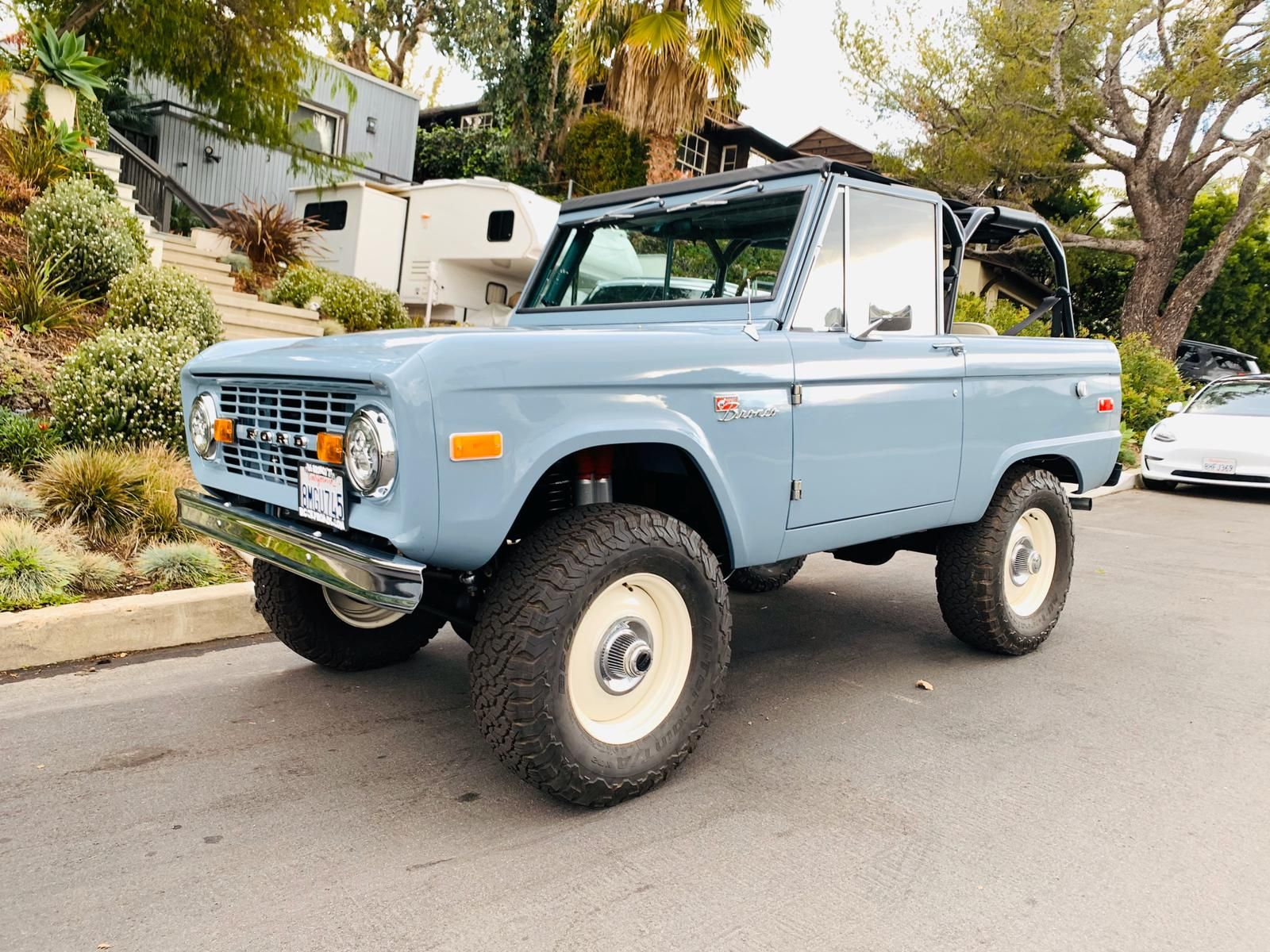 1970 Cool Blue Uncut Modified Class | Custom Classic Ford Bronco Restorations by…