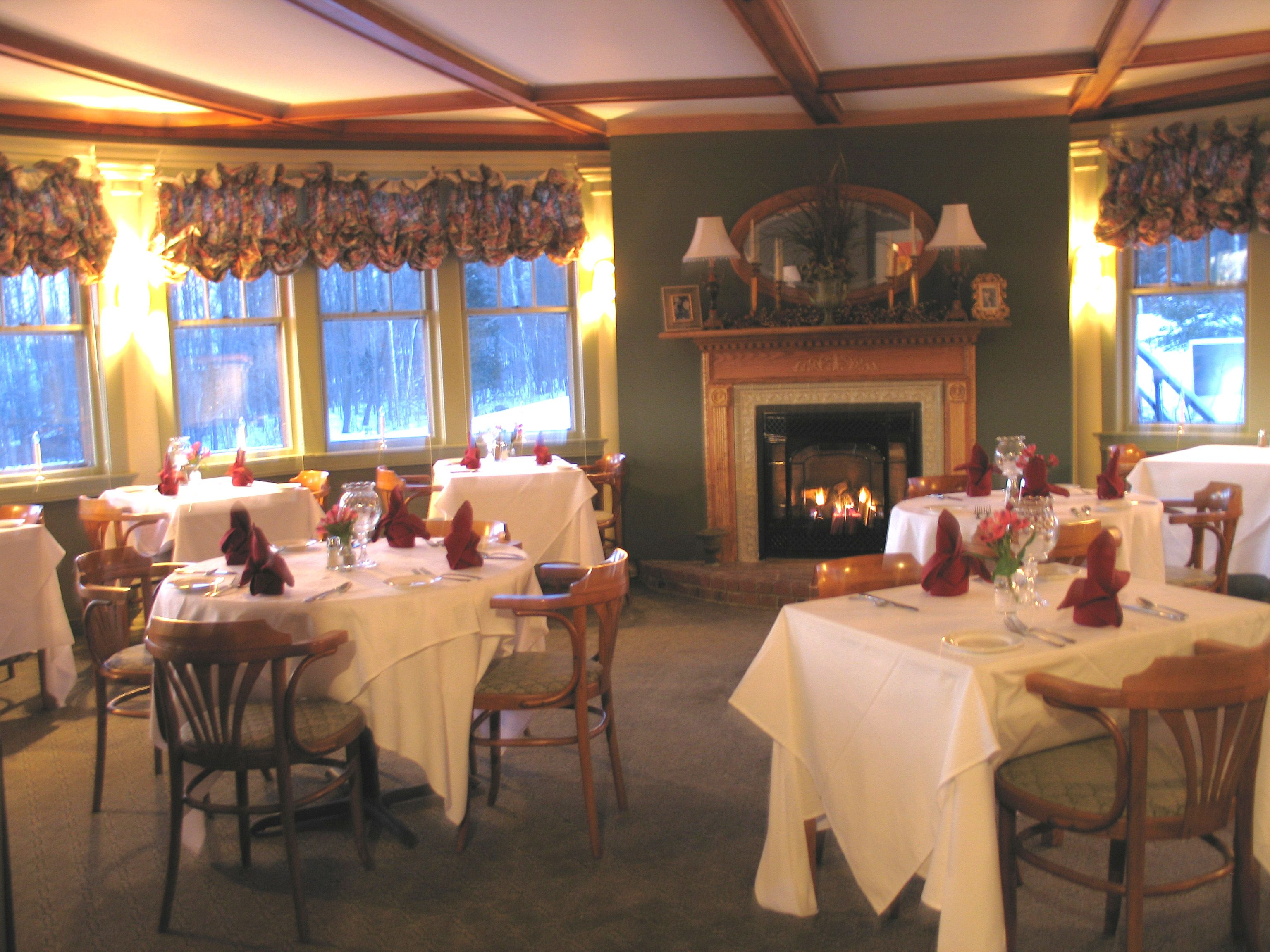 The Shaw Dining Room Moosehead Lake Greenville Maine